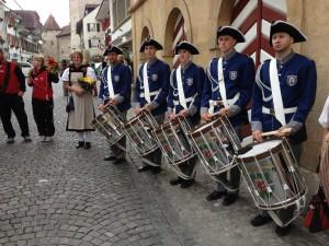Tamboure-mit-Trommel